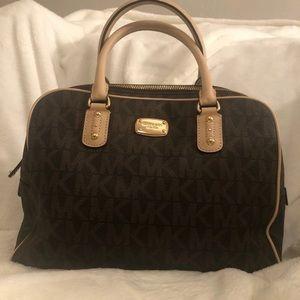 🔥New LISTING!Michael Kors handbags